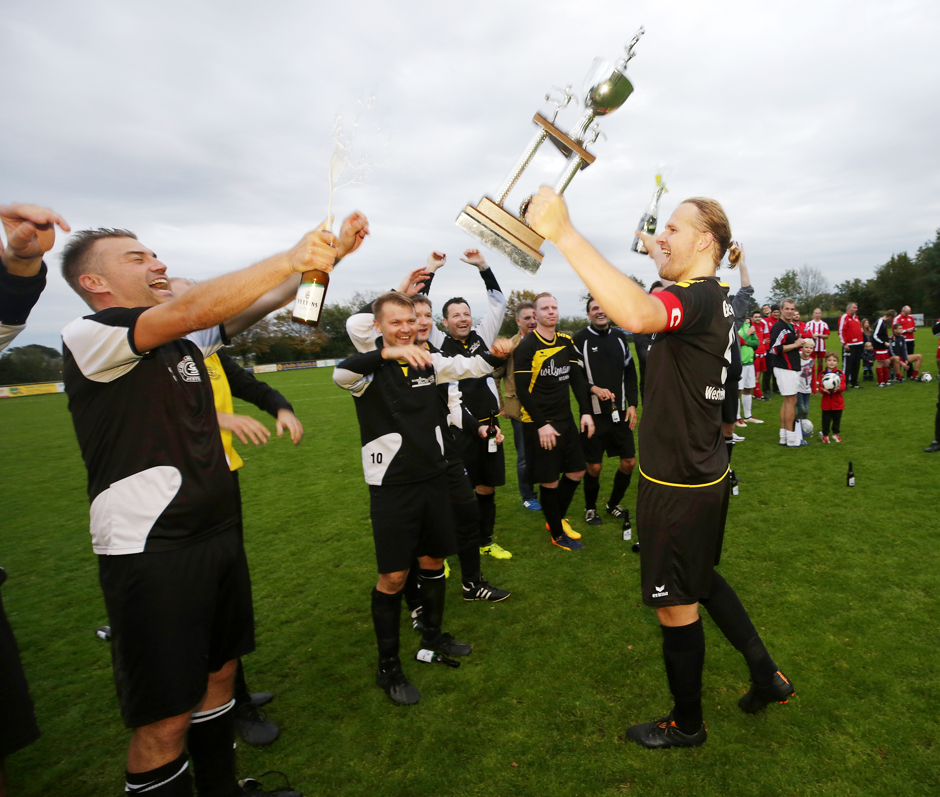 hm ue32 landratscup finale sieger germania westerwiehe martin vorderbrugge re 02